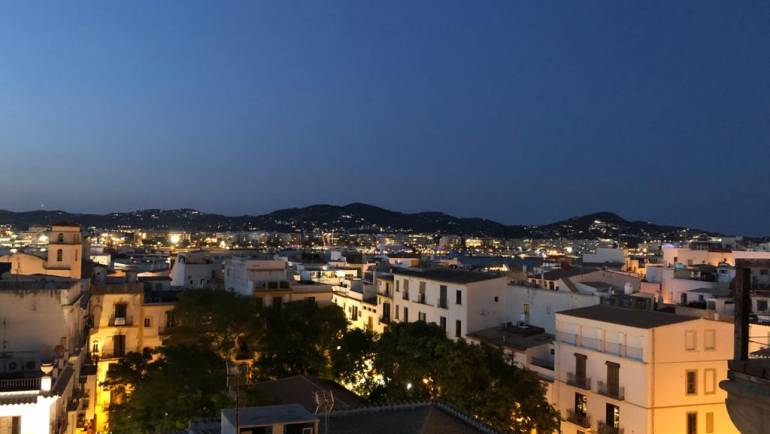 Liebe Grüße aus Ibiza